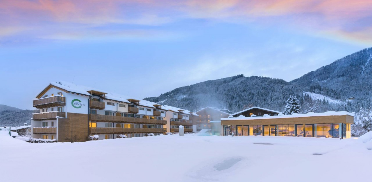 Central holiday resort in Flachau in winter